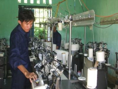 Mô hình trình diễn kỹ thuật sản xuất thiết bị bảo hộ lao động của công ty cổ phần đầu tư và phát triển Việt Tiến